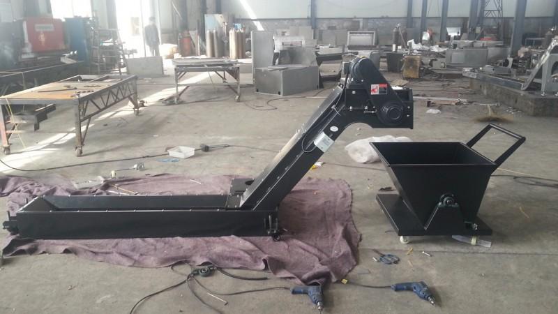 厂家专业制作各种排屑机、防护罩、拖链等各种机床附件