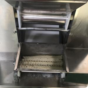 源头厂家直销仿手工饺子机 仿手工饺子机热销 仿手工饺子机
