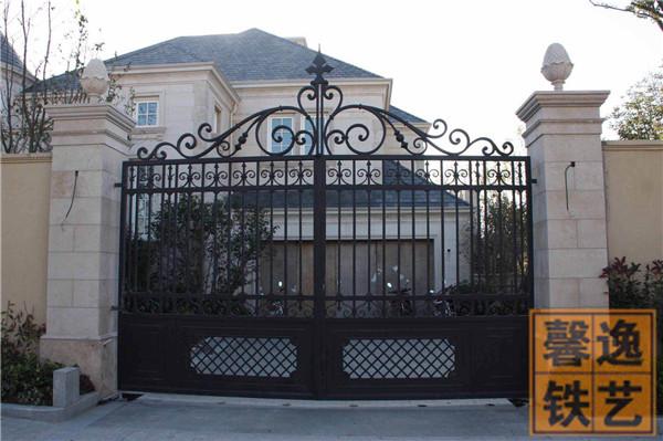 馨逸装饰专业提供铁艺大门安装 北京别墅大门 铁艺大门专业设计