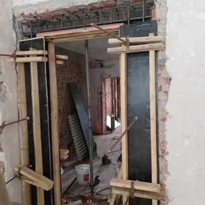 开门 梁粘钢加固 工程加固