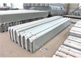 冠县润浩:防撞护栏板、波形护栏板、护栏板配件厂家直销