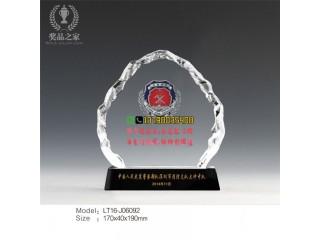 天津消防纪念品 消防队消防员退伍纪念品定做 水晶厂家直销
