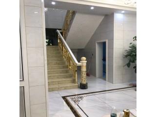 武汉K金铜楼梯扶手搭配别墅创意的感觉